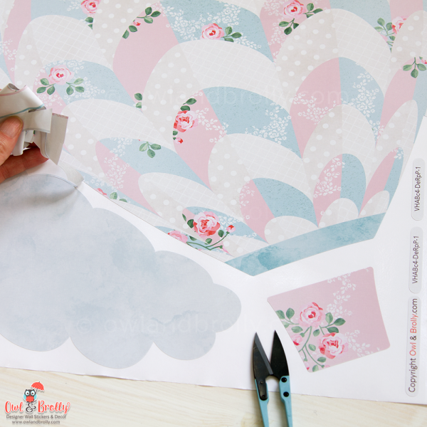 Close up of the fabric wall stickers floral print on the hot air balloon sets